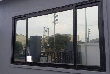Giấy dán kính phản quang nhìn từ bên ngoài